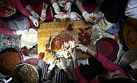 'Koruma altındaki çocuklar'dan Mehmetçik'e sıcak yemek