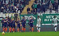 Başakşehir deplasmanda üç puanı üç golle aldı