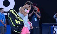 Nadal maçı yarıda bıraktı