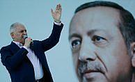Başbakan Yıldırım: Türkiye'yi yönetmek istiyorsan başka kapılarda aday aramayacaksın