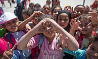 Suriyeli çocuklar doğdukları ülkede okullu oldular