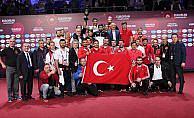 Milli güreşçiler Dağıstan'da tarih yazdı