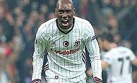 Atiba Beşiktaş'ta kaldı