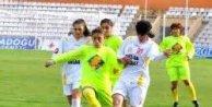 Bayanlar Futbolunda Kadınlık Testi!