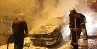 Beyoğlu'nda bu gece 6 araç kundaklandı