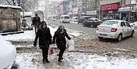 Son dakika hava durumu, Yoğun kar yağışı Afyon yolunu esir aldı