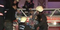 Üsküdar'da yangın, 7 kişi yanmaktan son anda kurtarıldı