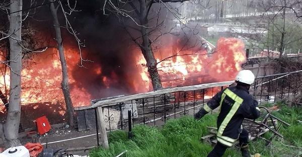 Tokat'ta restoranda korkutan yangın