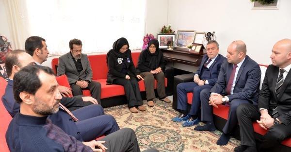 Trabzonspor yönetiminden Özgecan'ın ailesine ziyaret