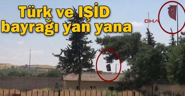 Türk Bayrağı İle İŞİD Bayrağı Yanyana