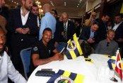 Fenerbahçe yönetimi taraftar ve sporcularla buluştu