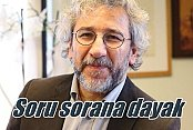 'Basın özgürlüğü panelinde Türk vatandaşa soru dayağı