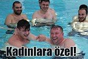 Kadınlar için yapılan termal havuzun tanıtımını erkekler yaptı