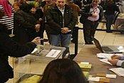 Yurt dışında referandum oylamasına ilgi büyük
