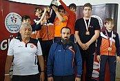 İBB'nin Minik Güreşçilerinden Çifte Şampiyonluk