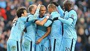 Manchester City'den Fernandinho'ya yeni sözleşme