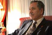AKP İçinde Çatlaklar Oluştu.