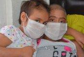 Kızlarının Biran Evvel Sağlığına Kavuşmasını İçin Yardım Bekliyor