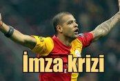 Melo'dan imza resti: Galatasaray'da Melo krizi