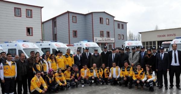 Van'da 11 yeni ambulans törenle hizmete başladı