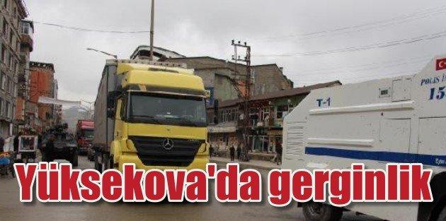 Yüksekovada Gerginlik, askeri yük taşıyan araca saldırı